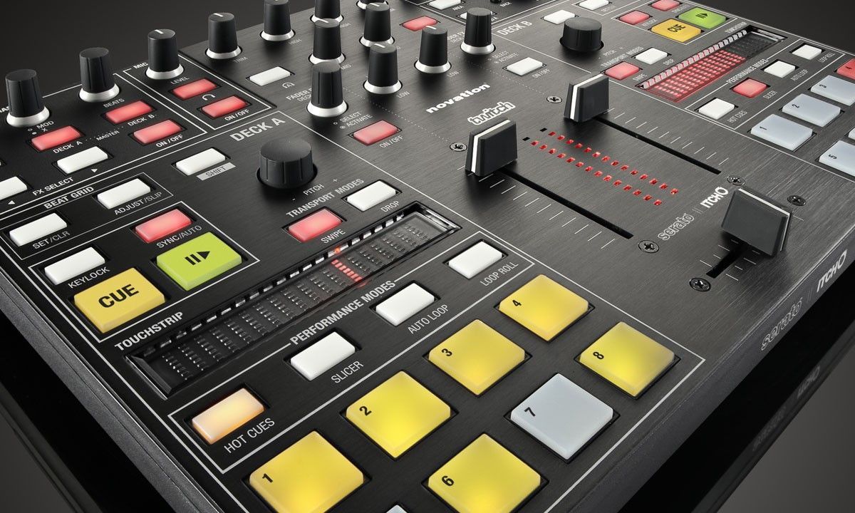 Novation TWITCH DJ Touchstrip Controller Twitch, Dj