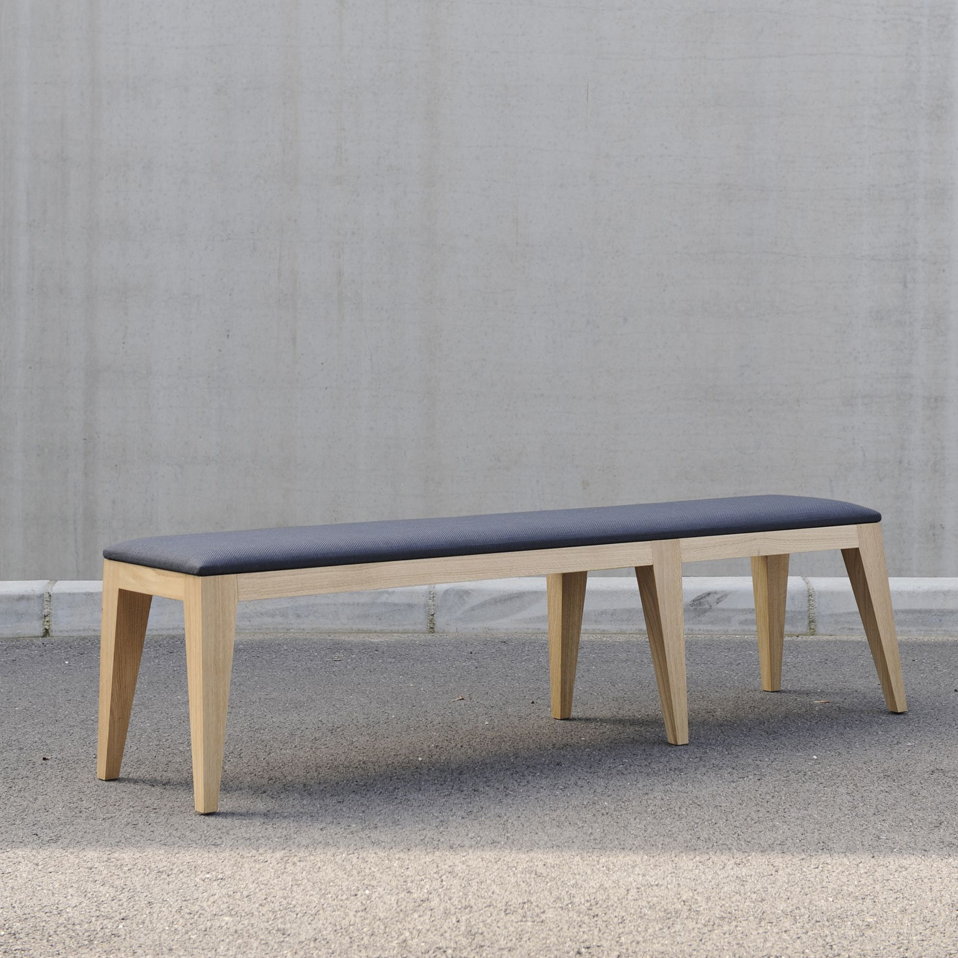 Grand Banc om4.2 contemporain design. Frêne massif naturel mat ...