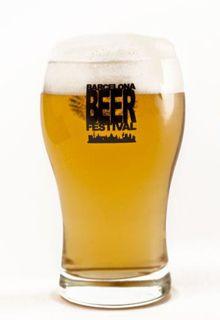 Continuamos con las cervezas que probamos en el festival de Barcelona y que consideramos que son altamente recomendables. Esta vez, vamos a bajar un poco el tono, y hablar de cervezas más suaves.