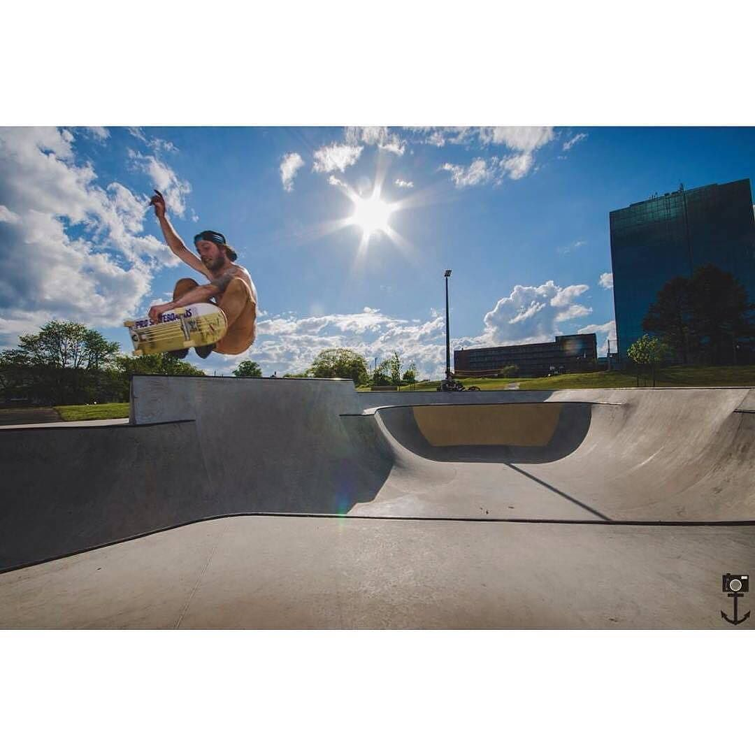 from @emathesonphoto : Day 34 / June 8 2016 . FS Indy over the hip. @stoprideout2013  #twentyfour #photoaday #skateboarding #dartmouth #halifax #novascotia #halifaxnoise #canada #frontside #indy #hiptransfer #skatepark