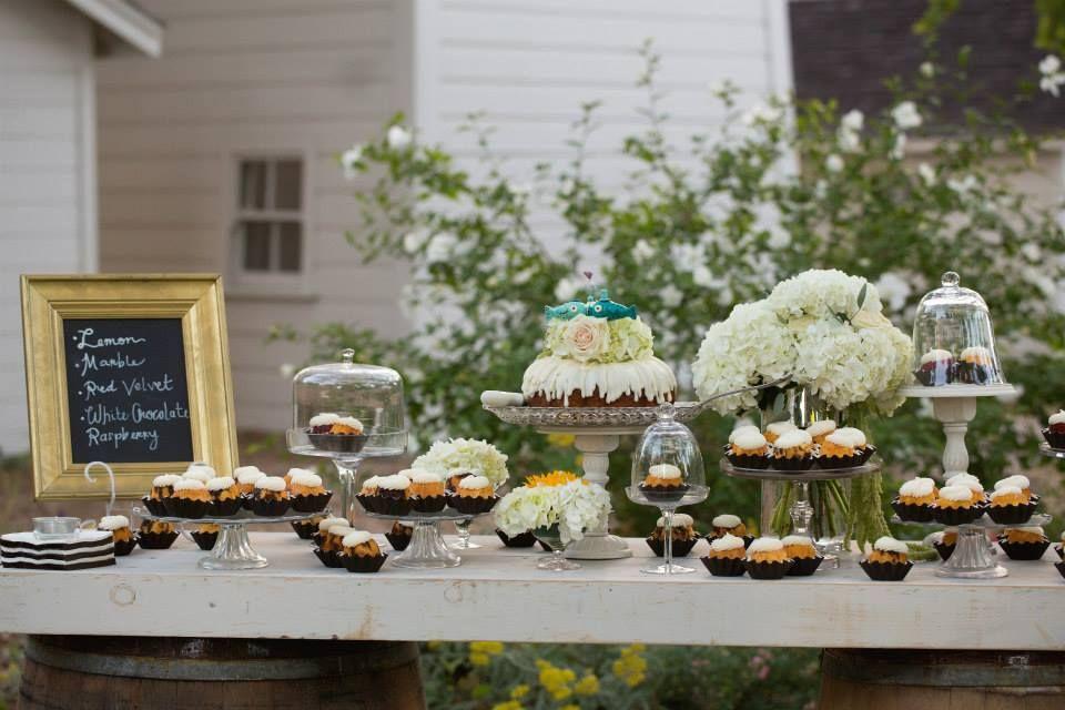 Dessert bar bundt cakes nothing bundt cakes