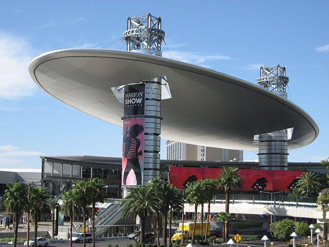 Fashion Show Mall - Las Vegas, USA SHOP SHOP SHOP   Things I