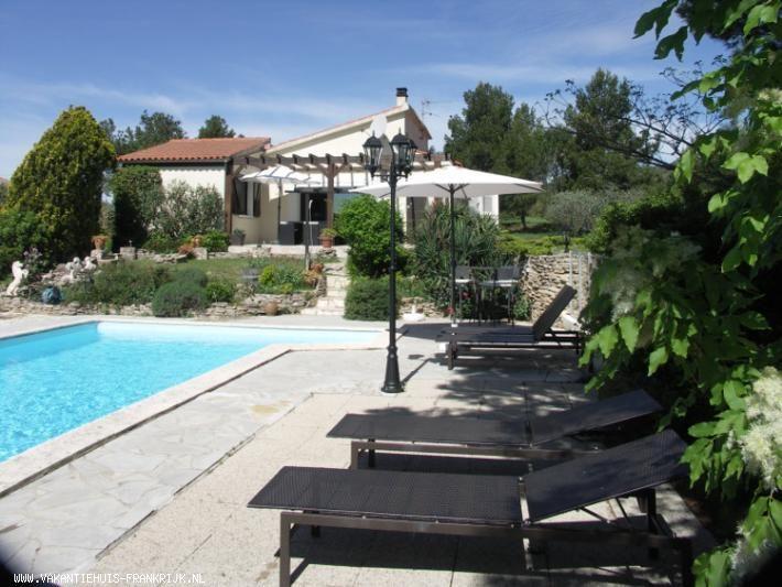 Vakantiehuis 6 persoons romantische villa met verwarmd privé