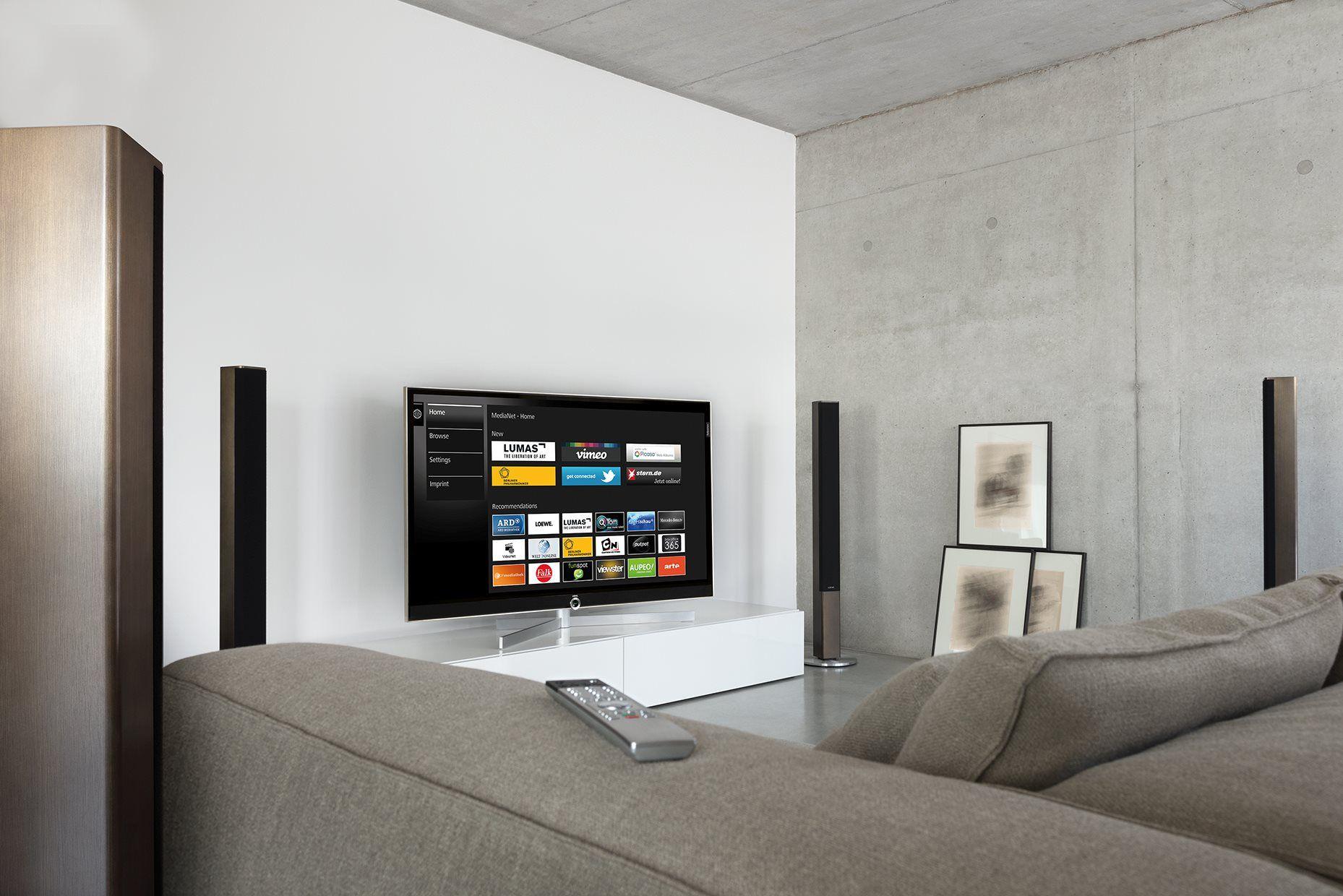 Loewe Tv Loewe Reference 55 In The New Color Variant Dark Gold  # Deco Table Tele Plus Homecimema