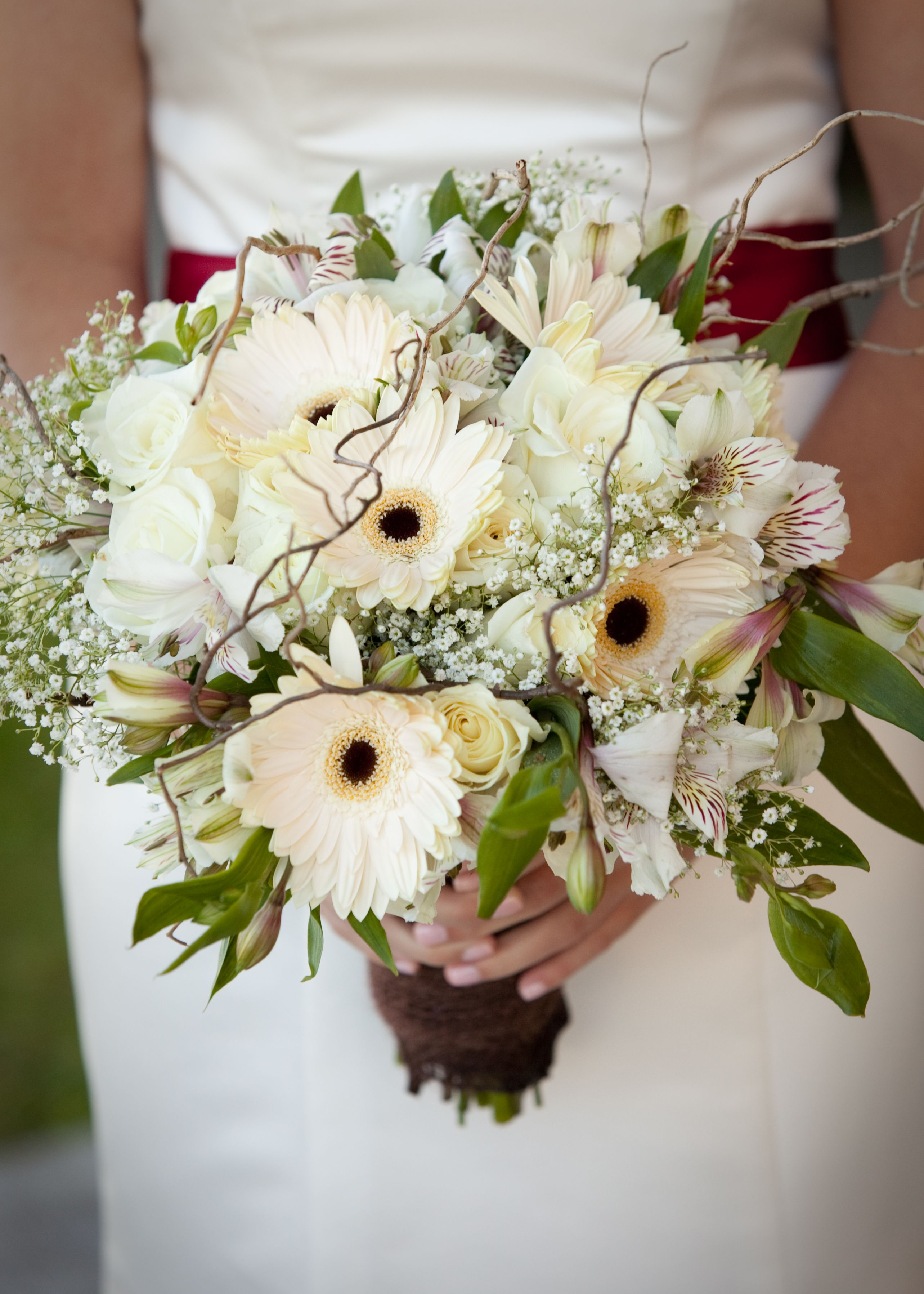 White Cream Bride Bouquet With Roses Alstroemeria Gerbera