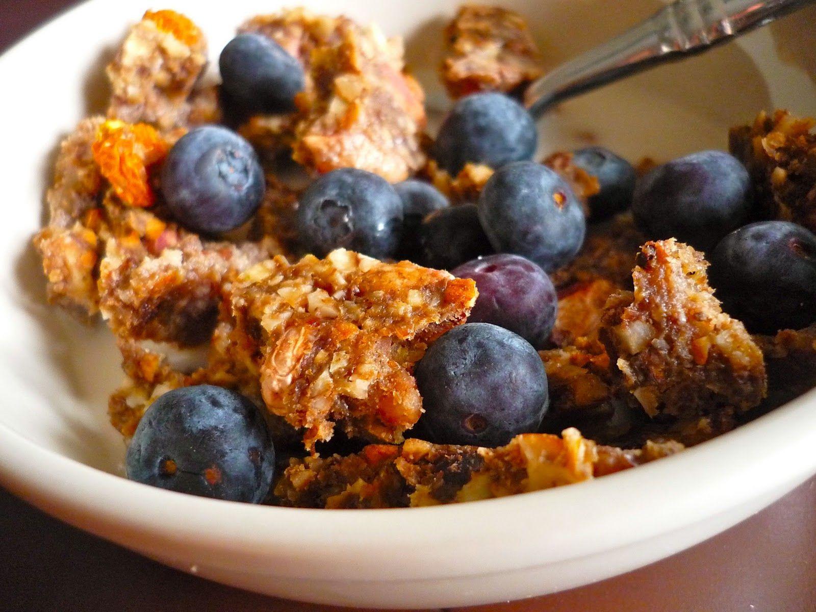 Sketch-Free Eating: Raw Granola + Almond Milk (Vegan, GF)