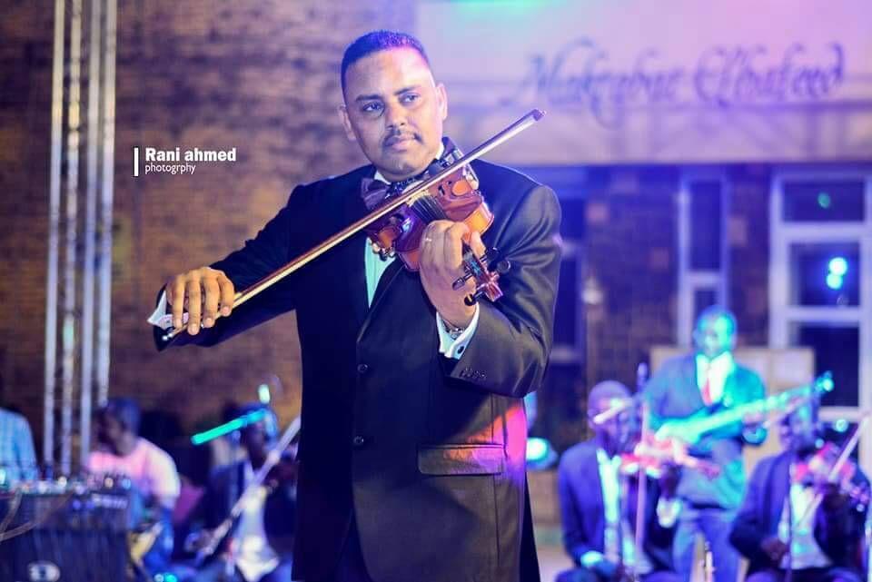 بالأحفاد قلعة الإبداع  ... كانت ليلة من ذات الليالي مع ساحر الكمان