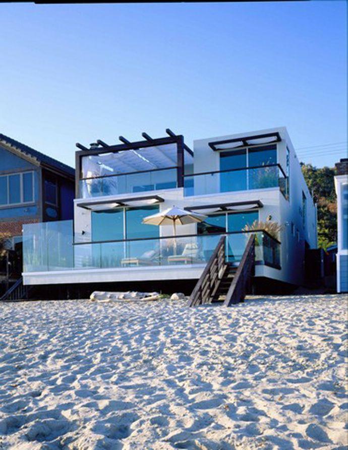 Top 10 Most Beautiful Beach Houses Across The World Presented On Designrulz California Beach House Malibu Beach House Beach House Design