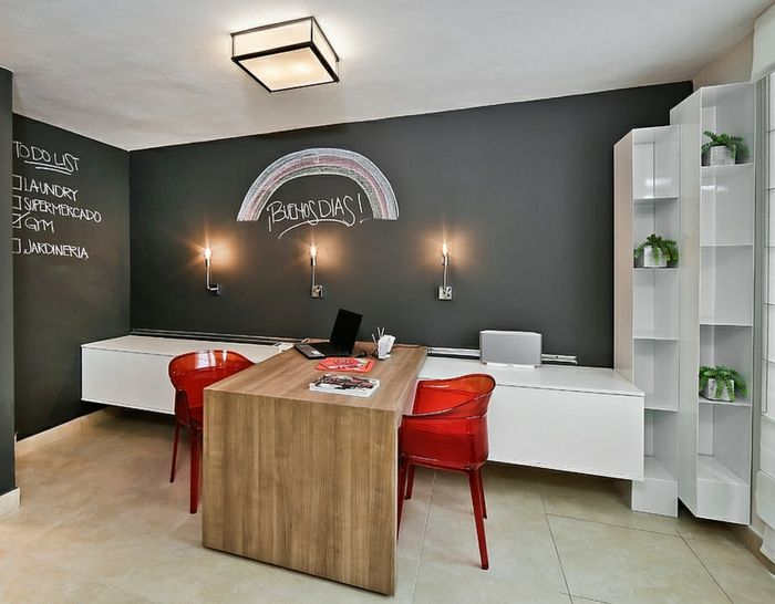 Ideen Arbeitszimmer ~ Arbeitszimmer ideen schreibtisch aus massivholz rote