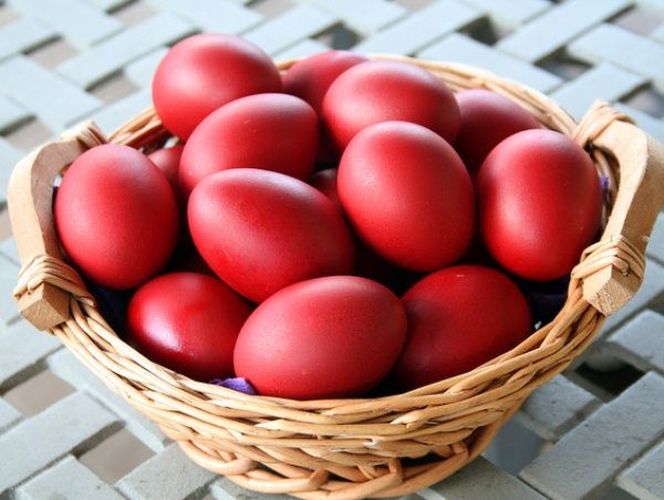 Чем покрасить яйца на Пасху в домашних условиях | Рецепт ...