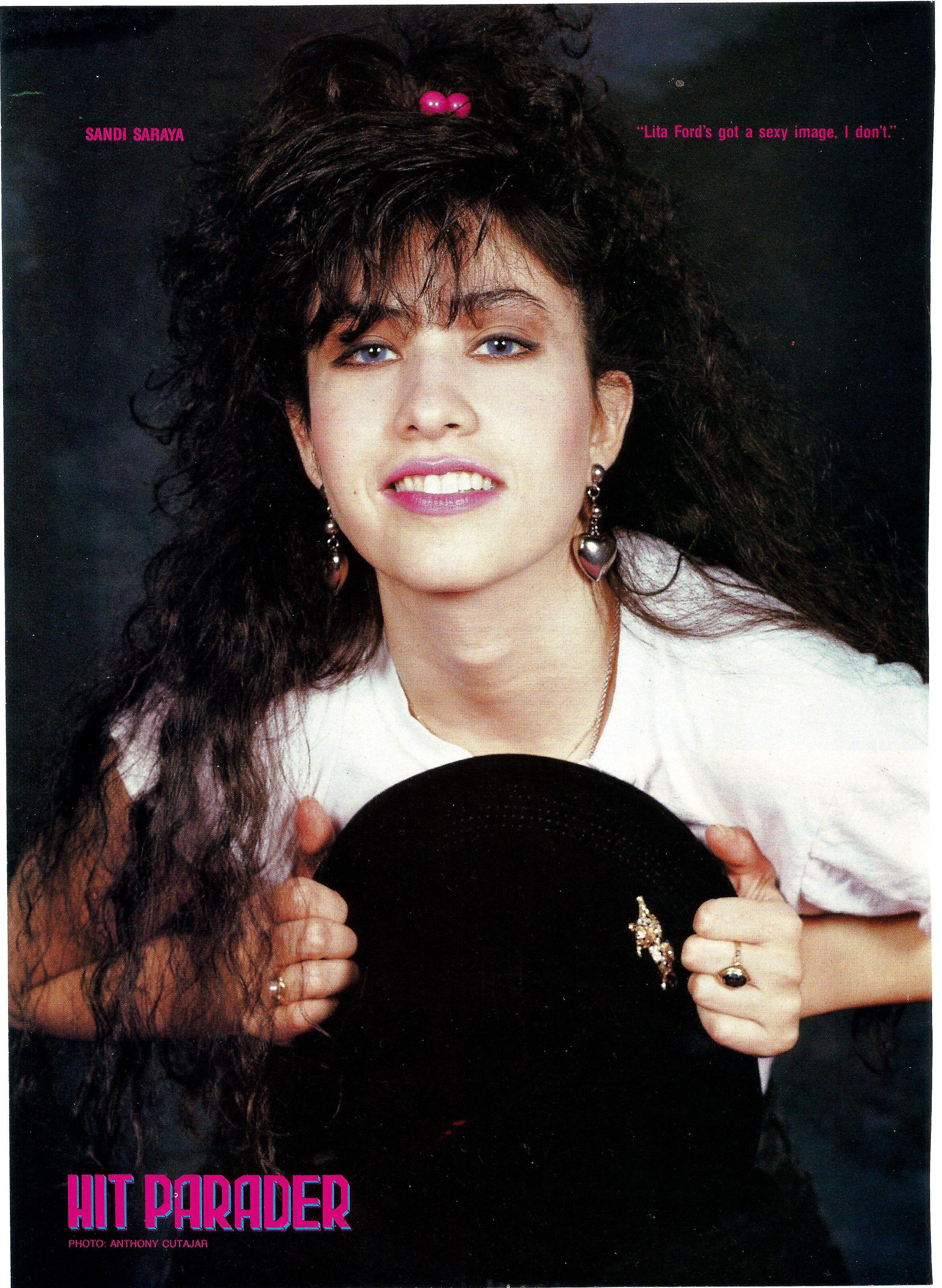 Saraya Metal Girl 90s Rock Girl
