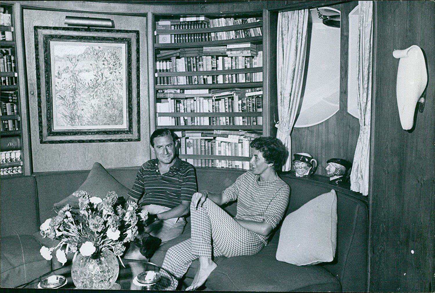 EVGENIA GL Stavros Niarchos sitting on the couch with Eugenia ...
