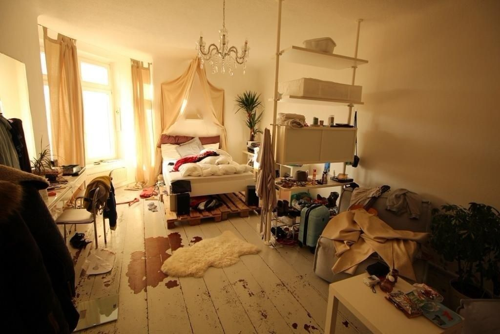Schönes WGZimmer mit DIY-Bett #WGZimmer #Schlafzimmer #Einrichtung