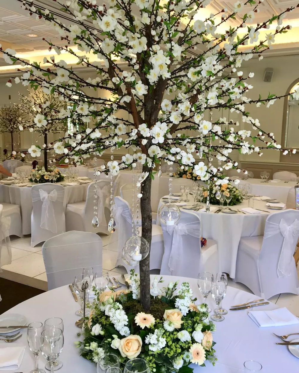 Artifical Cherry Blossom Tree With Green Leaves Tree Centerpieces Wedding Tree View Artific Tree Centerpieces Tree Wedding Centerpieces Blossom Tree Wedding