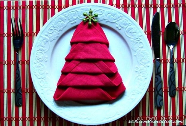 Easy Christmas Tree Napkin Tutorial.  It will complete any table setting for the holidays! sewlicioushomedecor.com #napkins