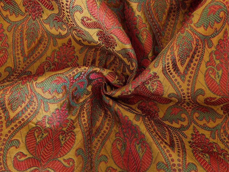 stoff blumen brokat gewebe indische brokat stoff ein designerst ck von apheleiaclothing bei. Black Bedroom Furniture Sets. Home Design Ideas