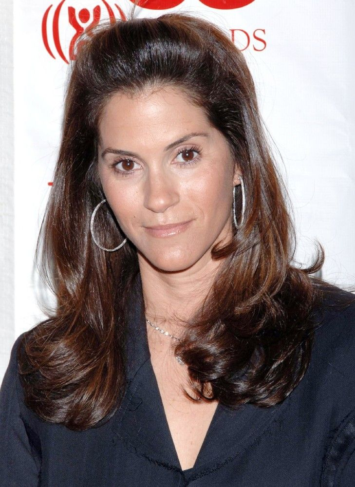 jami gertz worth