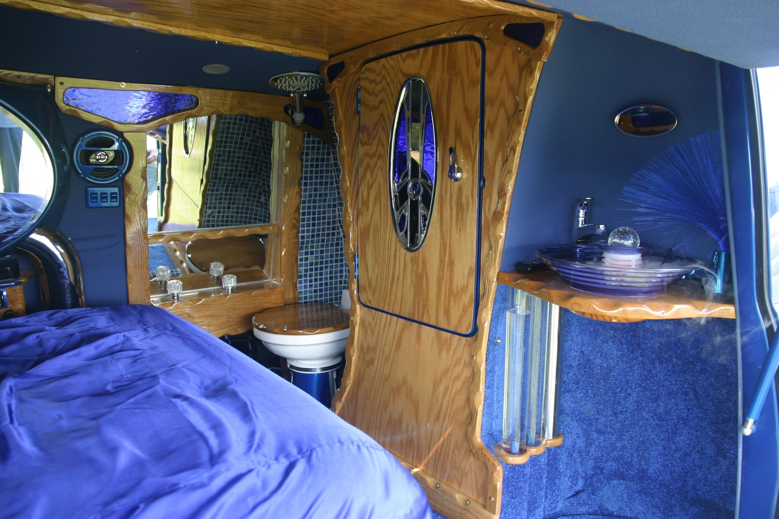 Custom Van Interiors | ... Letu0027s Take A Look At Some Of Those Custom  Interiors After The Jump