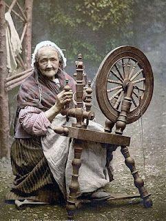 http://3.bp.blogspot.com/_BvMqqE7bqis/S0ePIB31IvI/AAAAAAAAC28/E33qtvrOkjw/s320/Spinning_wheel.jpg