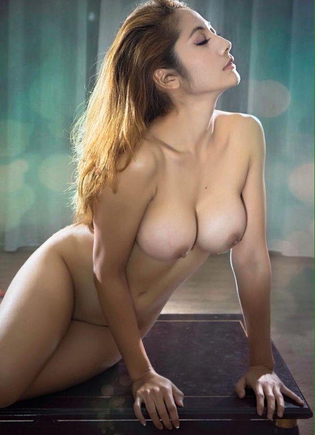 Indo Nude Photo 102