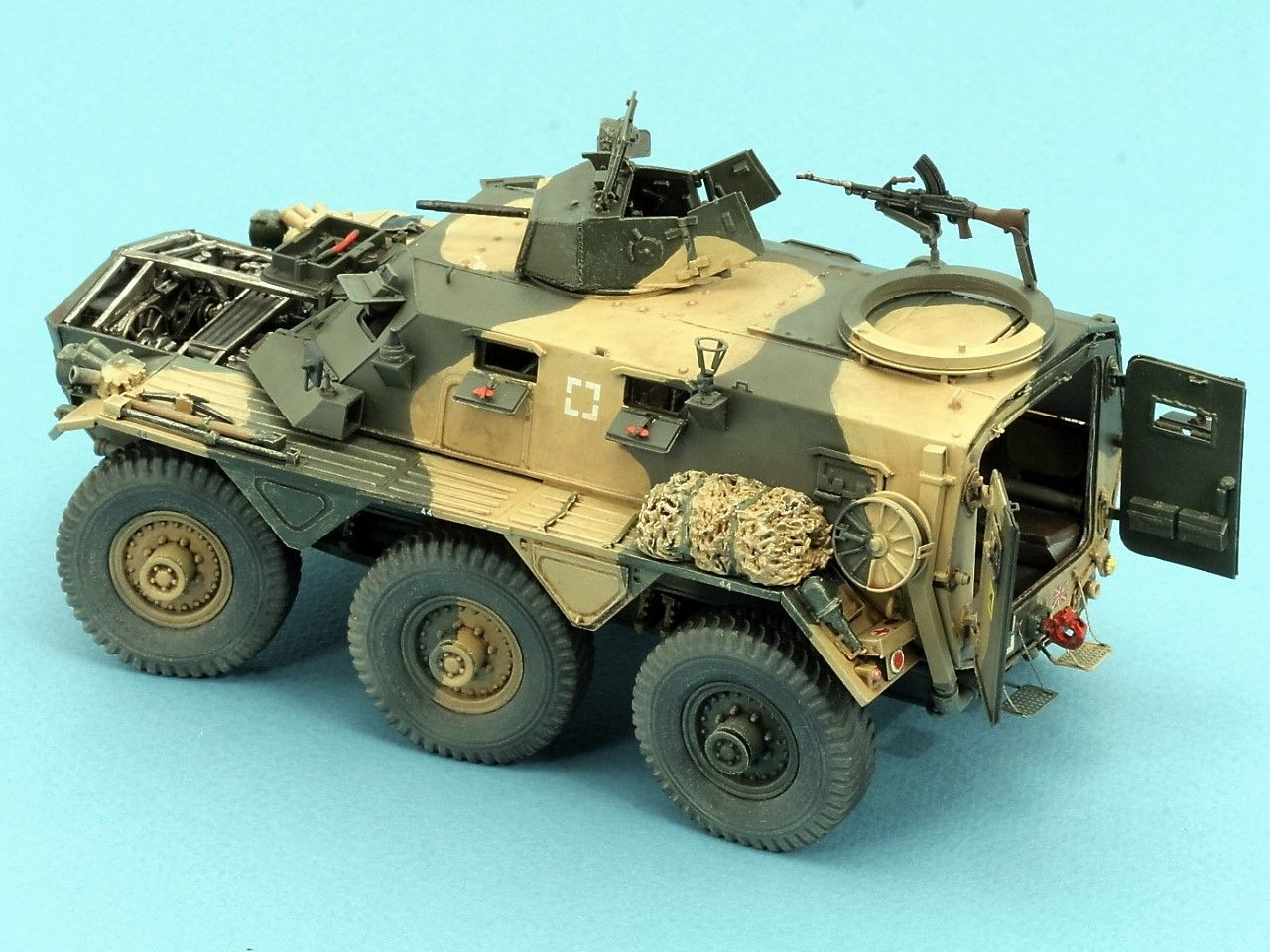 K191 Alvis SARACEN Mk-1 6x6 APC £110 00 | Armored vehicles