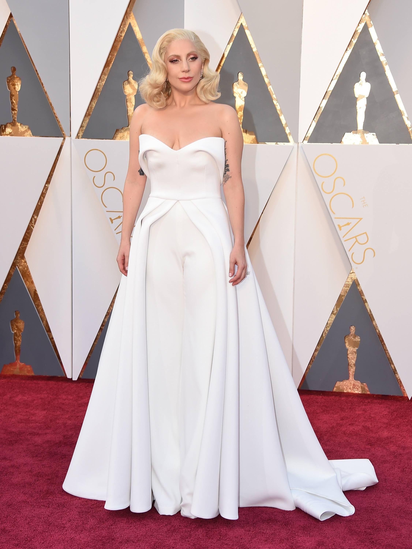Resultado de imagen de Lady Gaga en los Premios Oscar 2016