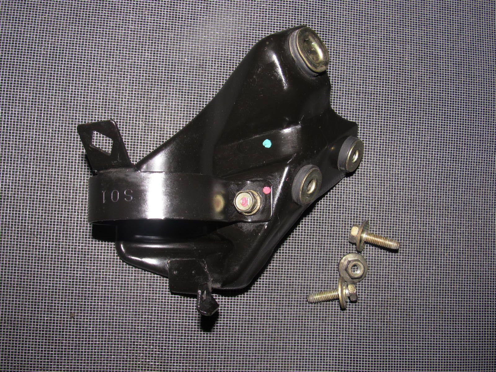 96 97 98 99 00 honda civic oem fuel filter mounting bracket [ 1600 x 1200 Pixel ]