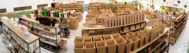 Aparador Negro Marron ~ Panorama da loja Brasil Artesanato, em Pedreira SP A loja Pinterest Ems e Artesanato