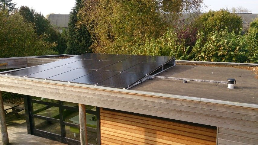 Tenten solar zonnepanelen project groenlo zwarte zonnepanelen op