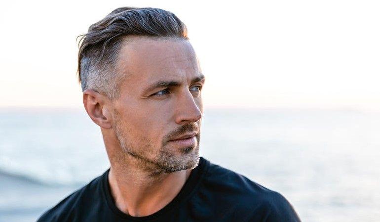 Die Mannerfrisuren Fur Herren Ab 40 Jahren Da Fragt Man Sich Welches Modell Kann Man Als Mann Mit 40 Also Guten Gewissens T Ex Husbands Prevent Grey Hair Hair