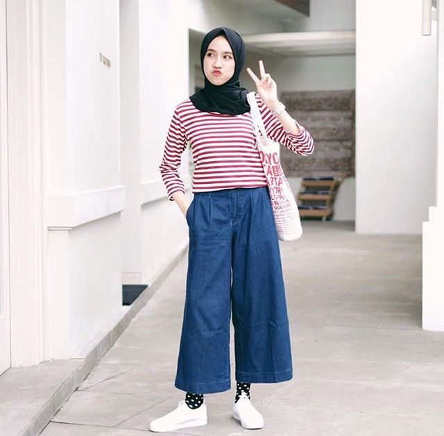 Really love her outfit... cek more outfit here http://instagram.com/ameliaelle