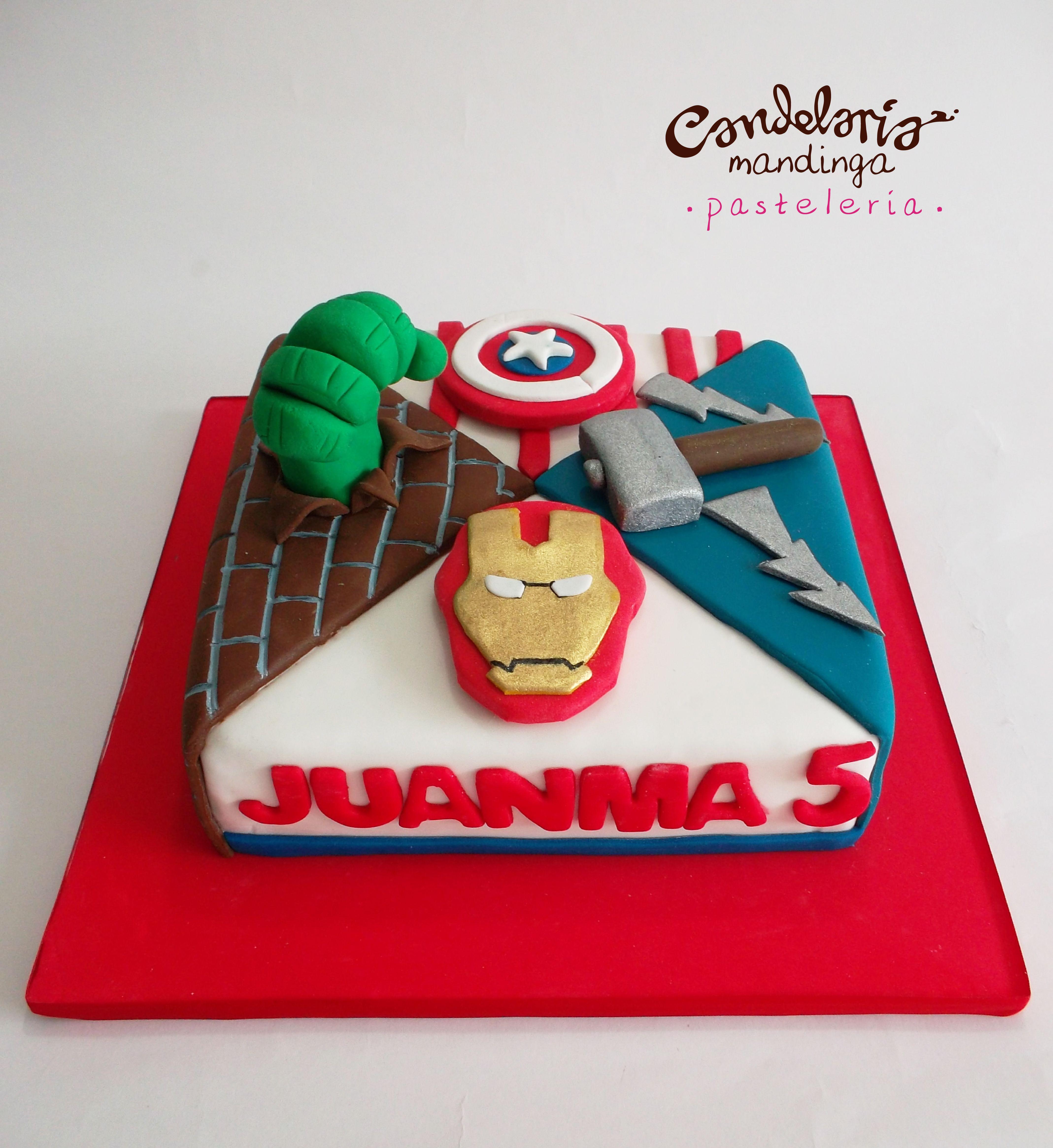 Cake Design Avengers : avengers cake Cande Cakes Pinterest Avenger cake ...