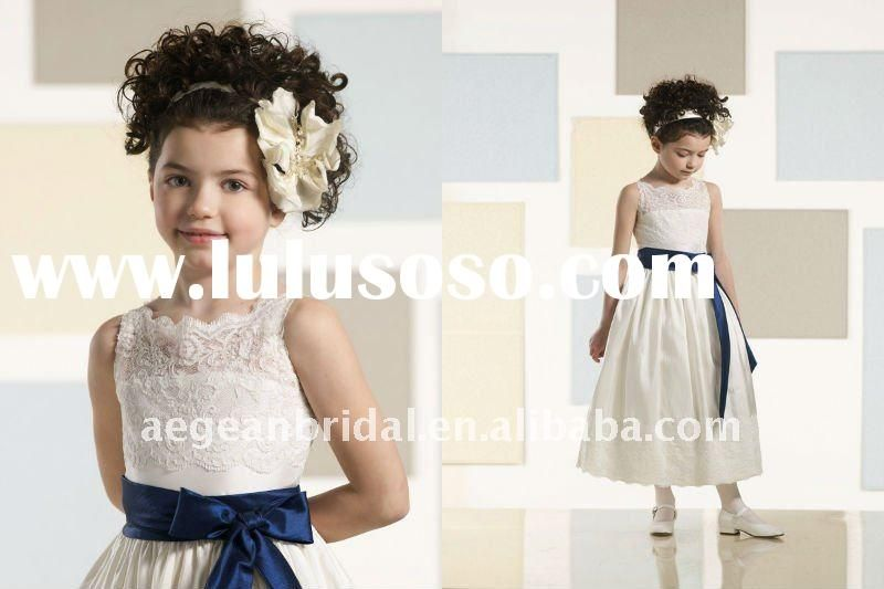 This could be an idea for the flower girl too..adding a little bit of lace at the top and a sash the same color as the maid's dresses.. @Amanda Vollrath
