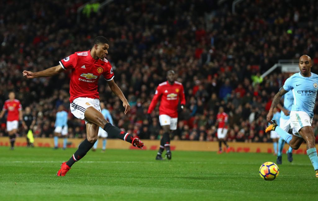 Man United's Marcus Rashford gave out cash to trickor