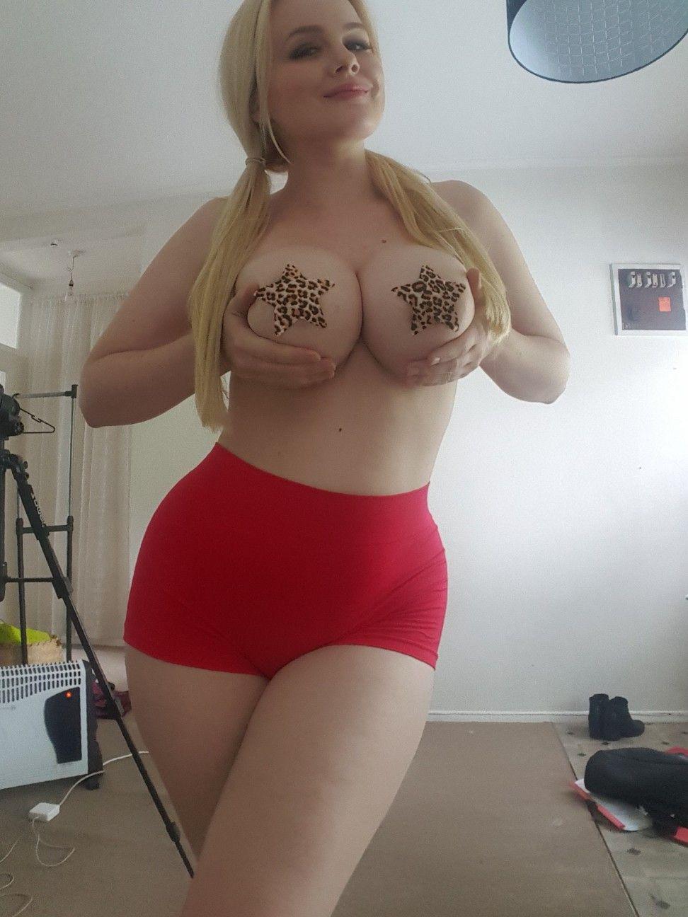 Lilli luxe boobs