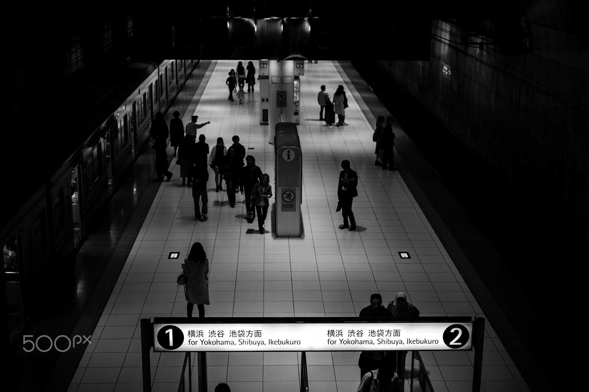 Urban Exploration: People at a station by summit1000 https://t.co/iHbaLtBGZV | #500px #photography #photos https://t.co/88VSqdNMjw #follo #photography