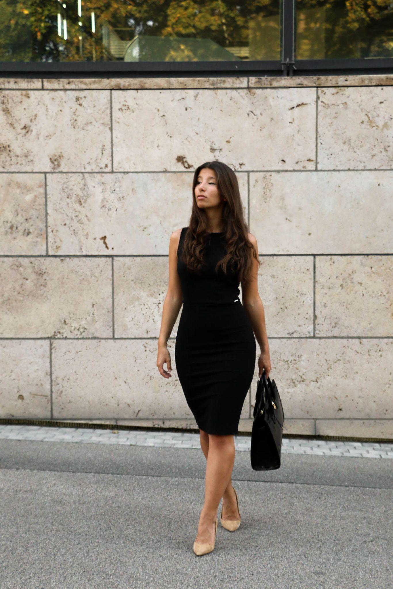 Drinks & Dresses in 18  Schwarzes kleid zara, Etuikleid, Modestil
