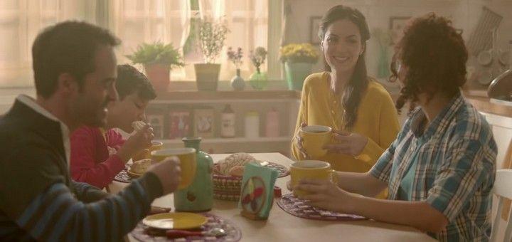 """""""Qué rico es estar en familia"""", un spot de Abuelita con un mensaje visual sobre los efectos de la tecnología en el individuo y en la sociedad"""