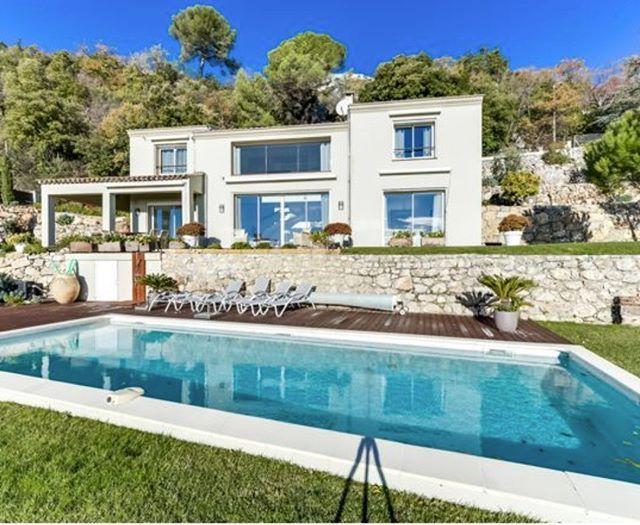 Zoom sur cette belle réalisation signée Bernard Vallotton architecte ...