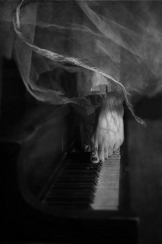 ☾ Midnight Dreams ☽  dreamy & dramatic black and white photography - night serenade