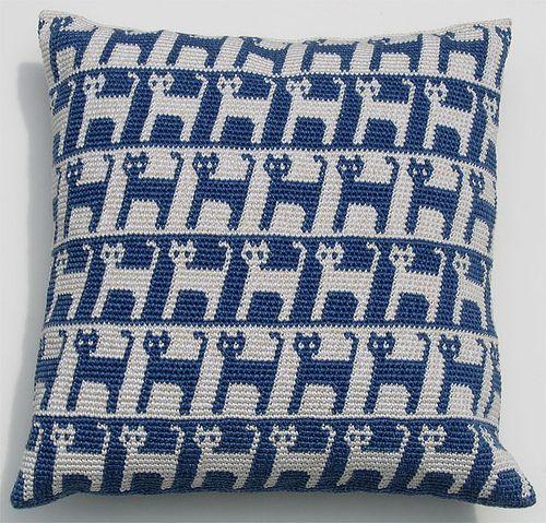 Ravelry: Cat Pillow - Right-Handed by Carol Ventura | szydełko etc ...