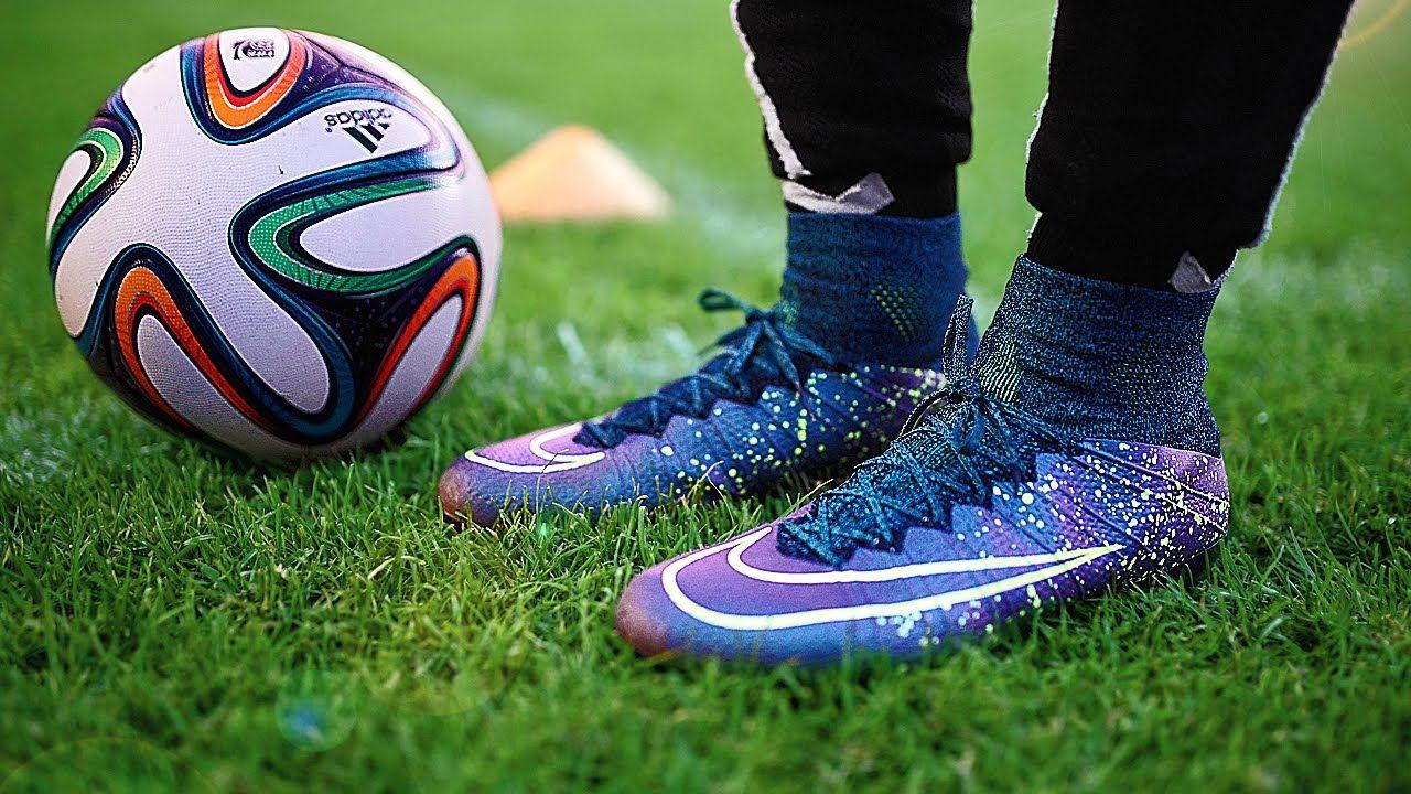 توب تن افضل احذية كرة القدم لقد تطورت صناعة أحذية كرة القدم جدا و أصبحت وسيلة هامة لرفع مستويات ا Sports Shoes For Girls Gym Workout Outfits Sport Chic Style