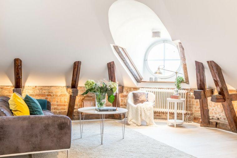 zona living moderna ed elegante con divano marrone scuro, poltrona e ...