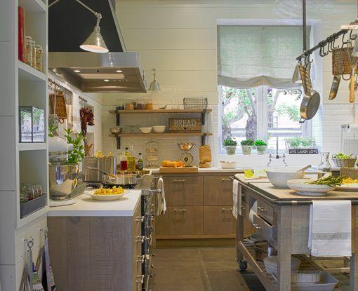 Cocina con despensa climatizada, de Deulonder: muebles | la cornue ...