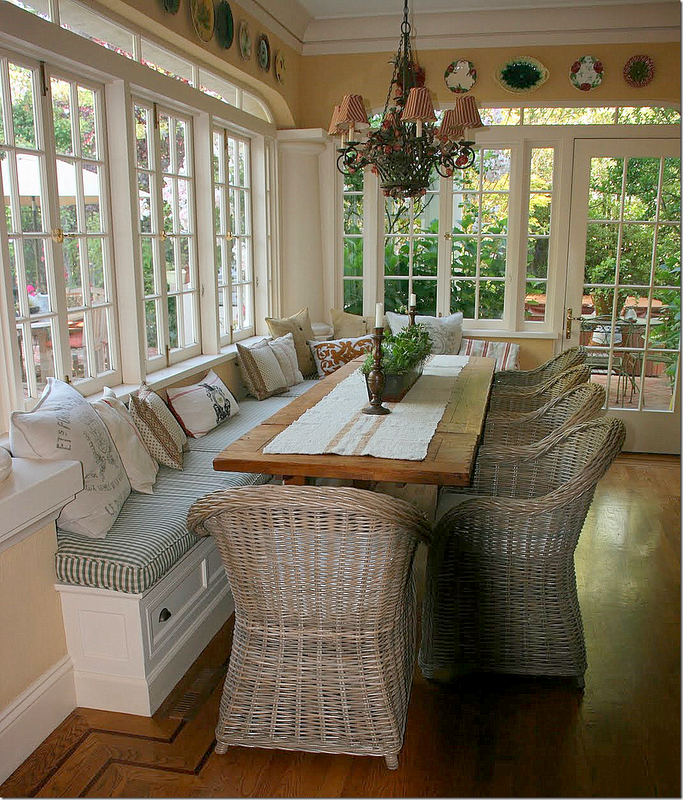 Exceptionnel Pretty Dining Room! Love The Windows! LIke The Banquet Seat Along One Side  To