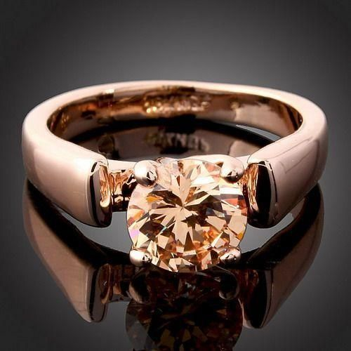 another great ring at a great price !! Love Tophatters Auction