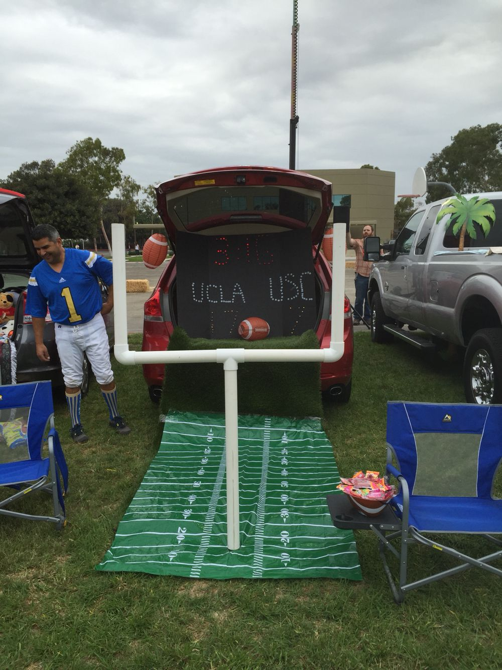 Decorating Ideas Football Trunk Or Treat