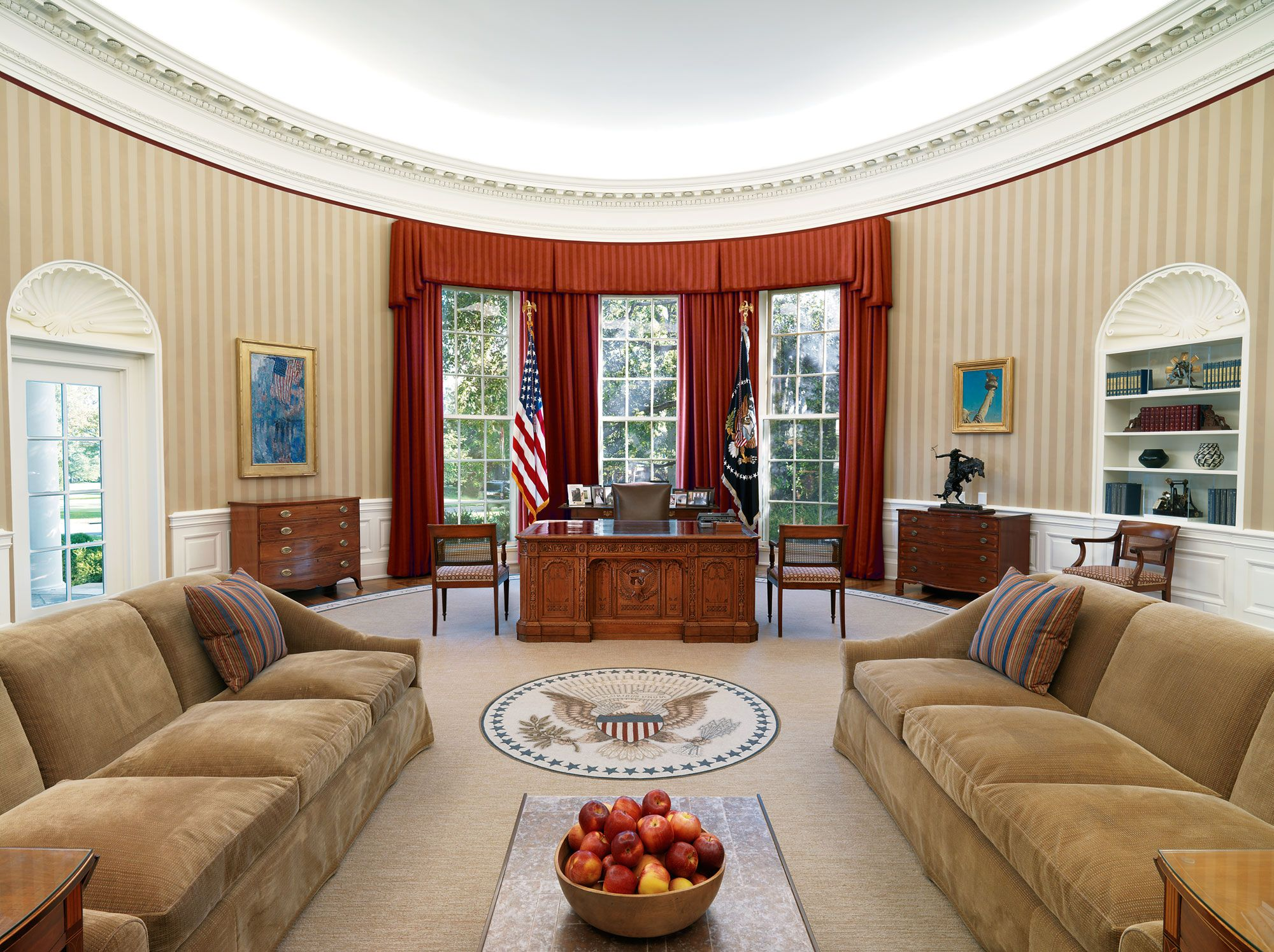 the white house oval office. Here\u0027s How President Obama\u0027s Home Will Transform Into Trump\u0027s In Just 5 Hours. Obama Oval OfficeWhite House The White Office I