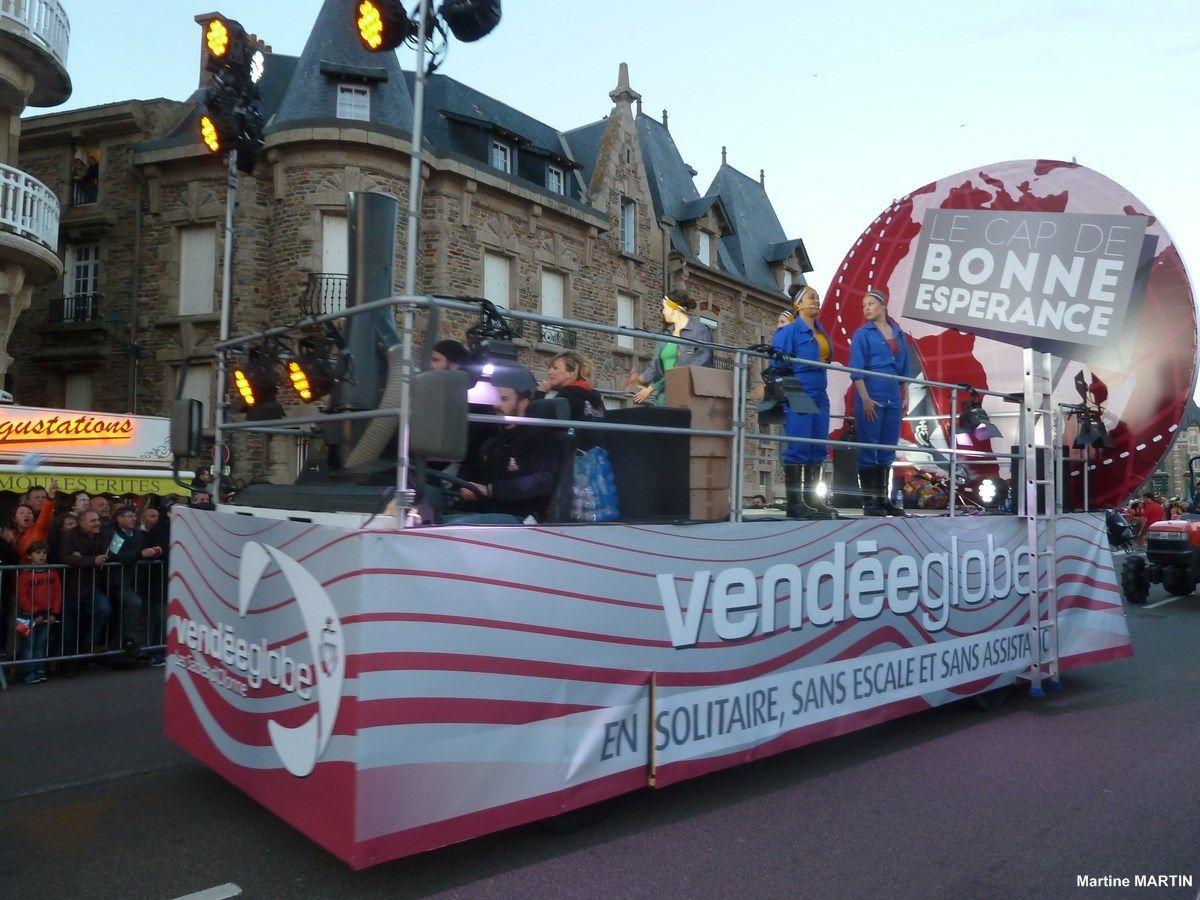 Defile De La Remise Des Trophees Du Vendee Globe Le Char Cap