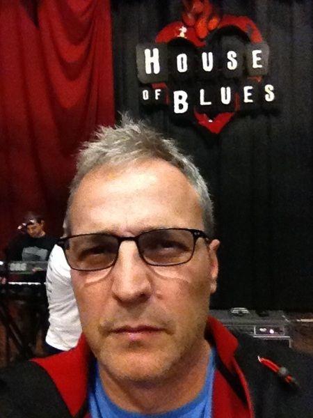 @DavidSummersHG House of Blues. Prueba de sonido...   @hombresg #Hombresg